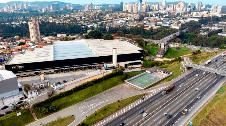 Centro de distribuição terceirizado veja os benefícios para sua operação